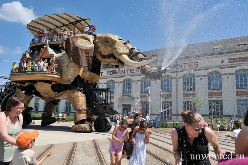 Механическая скульптура на металлическом каркасе Grand Elephant
