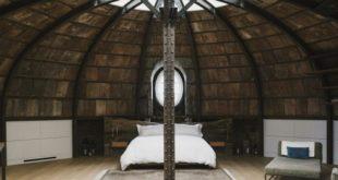 Дизайнерский лофт в Нью-Йорке от RAAD Studio - спальня под куполом