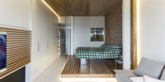 Стеклянная спальня в небольшой квартире