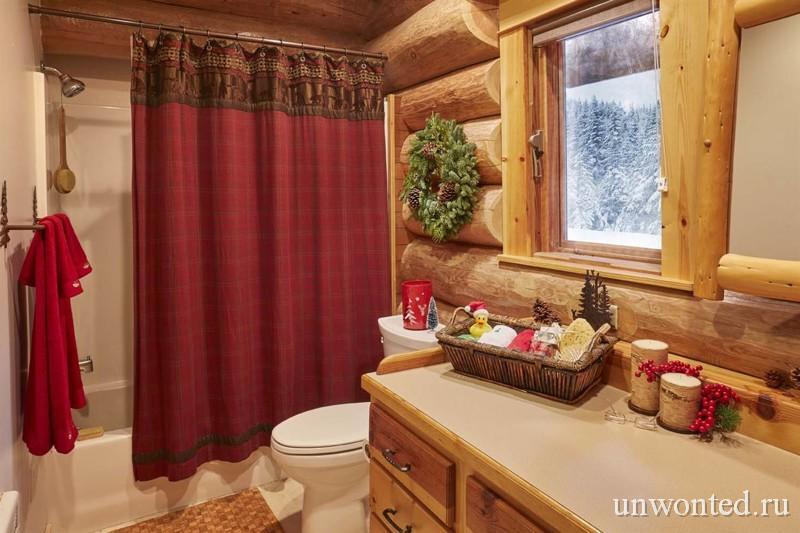 Туалет и ванна в доме Санта Клауса