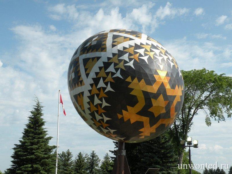 Скульптура пасхального яйца фото