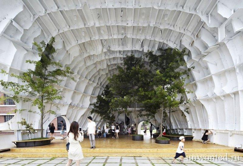 Открытая площадка внутри павильона Temp'L