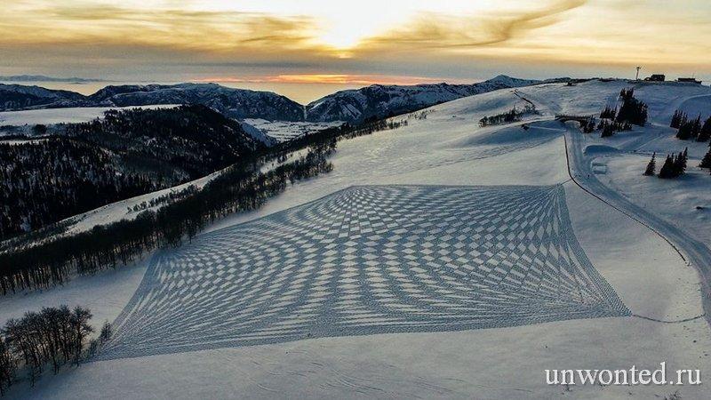 Геометрические узоры Саймона Бека на снегу