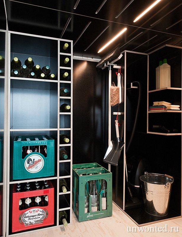 Кладовка внутри шкафа для малогабаритной квартиры