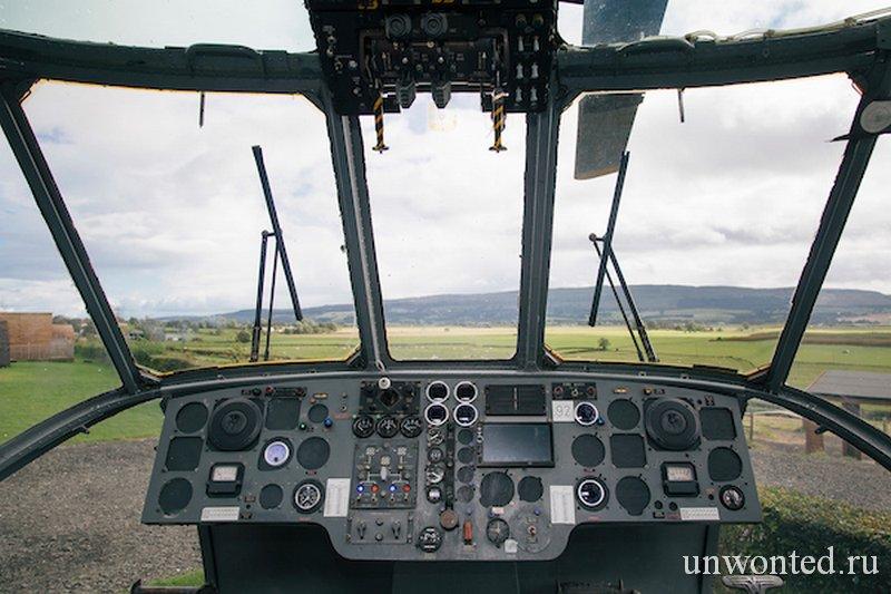 Панорамный вид из кабины пилотов отеля вертолета