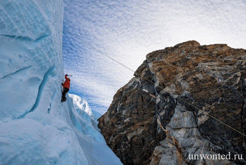 Покорение крутых ледяных вершин Антарктиды