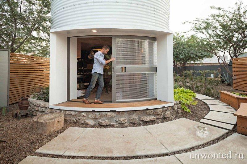 Уникальная раздвижная дверь Silo House