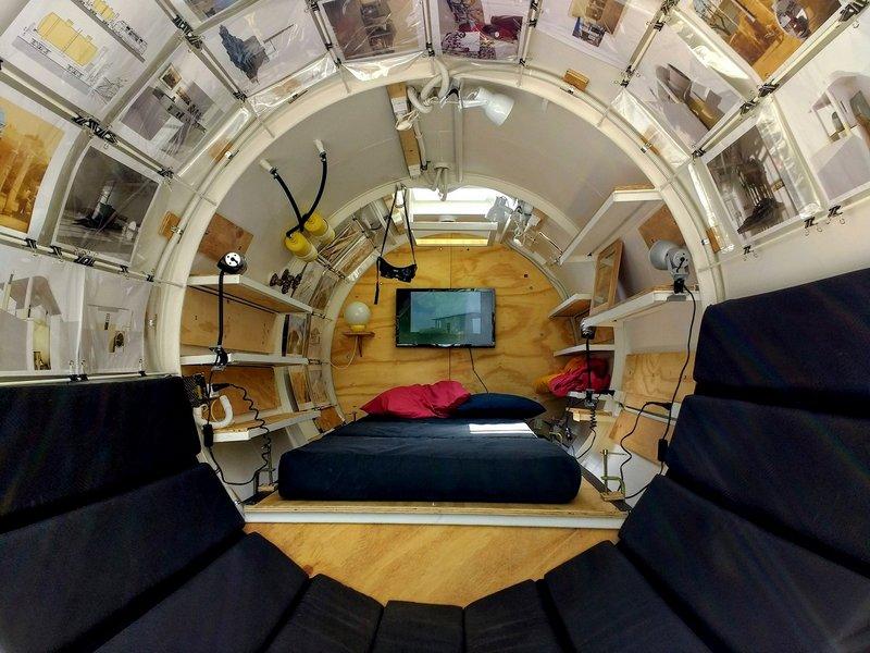 Дом-цистерна внутри